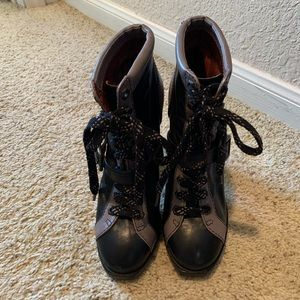 Marc by Marc Jacobs laces leather booties, 39 1/2